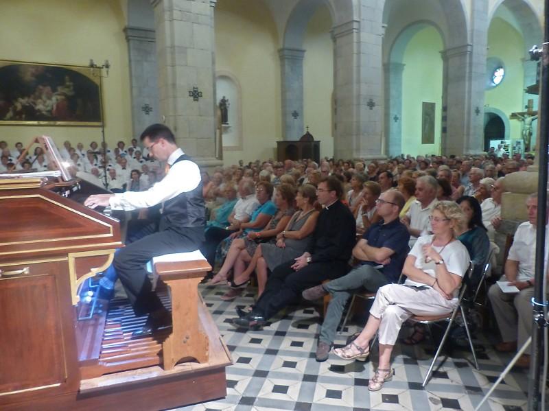 L'organiste Pascal MARSAULT et le nombreux public